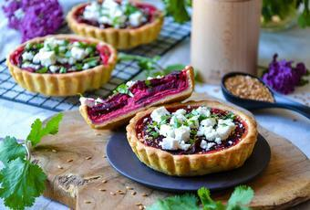 Beet, goat, feta and flaxseed tarts ~ Easy and Healthy